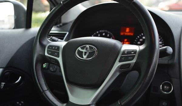 Toyota Avensis 2.0 AUTO - 1