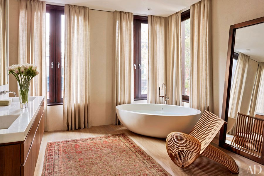 item12.rendition.slideshowWideVertical.laura-santos-1100-architect-manhattan-townhouse-17-master-bath