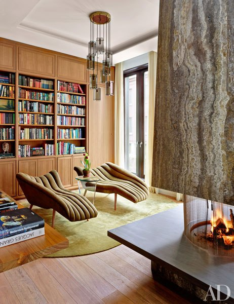 item3.rendition.slideshowWideVertical.laura-santos-1100-architect-manhattan-townhouse-04-library