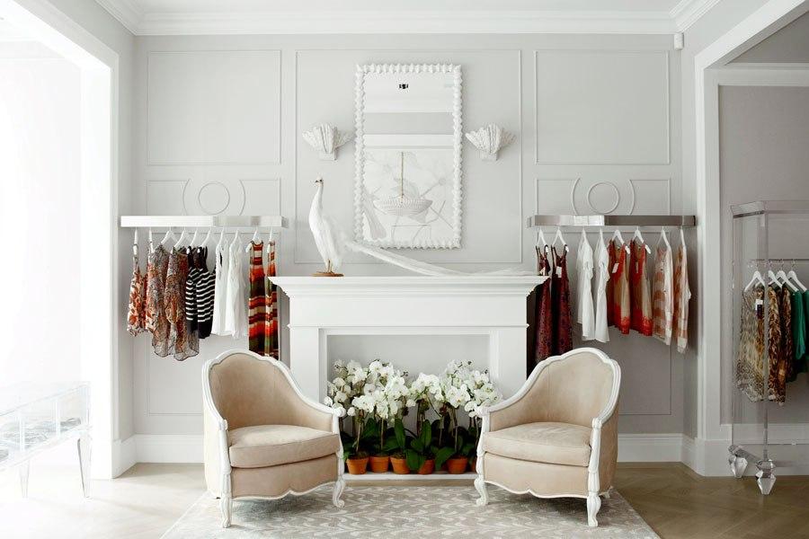item4.rendition.slideshowHorizontal.ryan-korban-luxury-refined-book-05-edon-manor-boutique-nyc