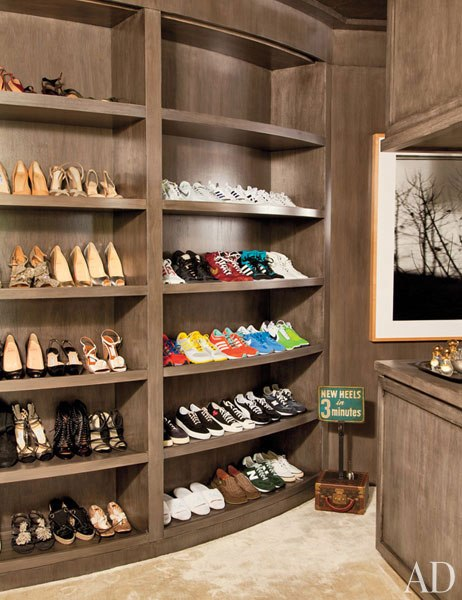 item15.rendition.slideshowVertical.ellen-degeneres-portia-de-rossi-beverly-hills-home-16-closet