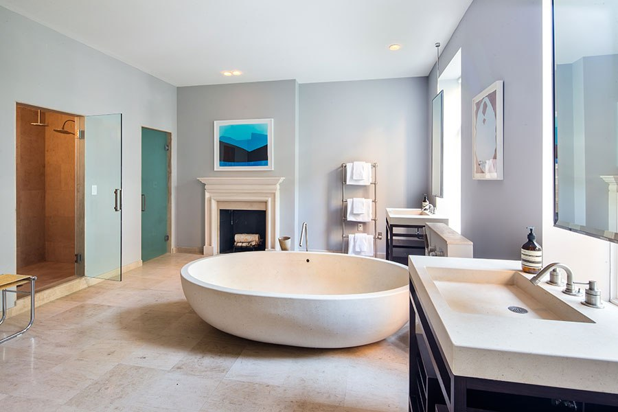 item9.rendition.slideshowHorizontal.sarah-jessica-parker-townhouse-11-master-bath