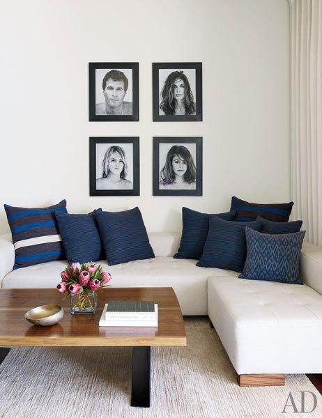 item7.rendition.slideshowVertical.cindy-crawford-rande-gerber-10-master-bedroom-sitting-area