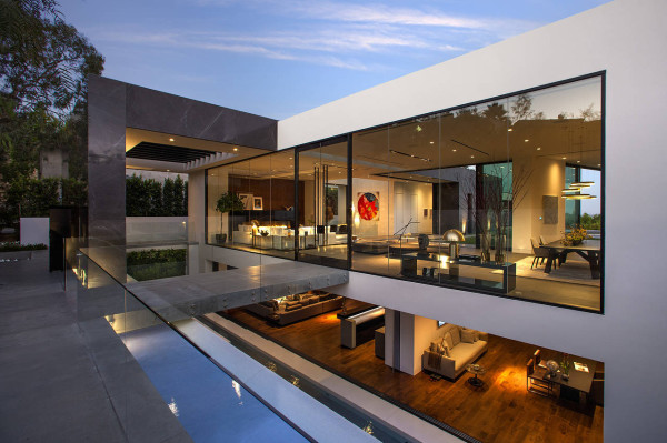 Hollywood-Hills-luxury-home-600x399