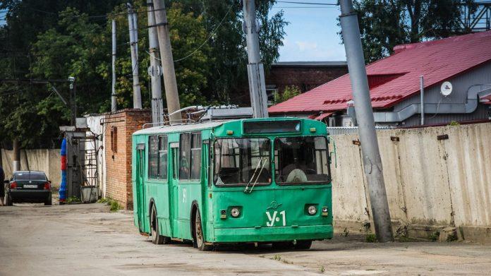 В Новосибирске из-за шутки в троллейбусном депо погибла женщина