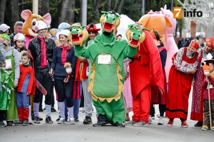 В благотворительном пробеге «Спорт во благо» вместе с рязанцами поучаствовали сказочные персонажи