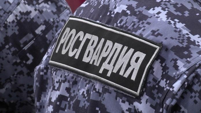 Боксер сломал нос росгвардейцу в центре Москвы