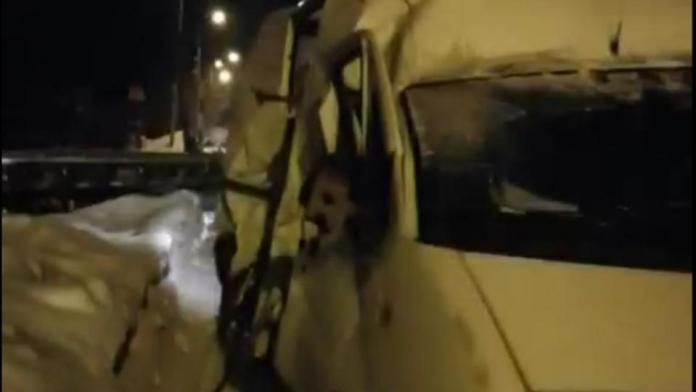 В Екатеринбурге поезд протаранил фургон
