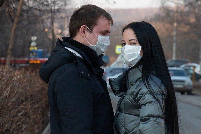В Рязанской области наращивают производство ватно-марлевых повязок и одноразовых масок