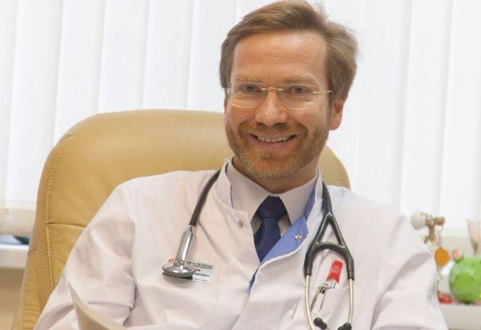 Врач дал совет, как подготовиться к госпитализации при симптомах COVID-19