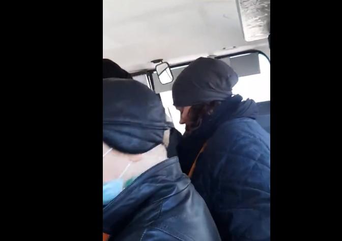 В Рязани вновь сняли на видео переполненный общественный транспорт