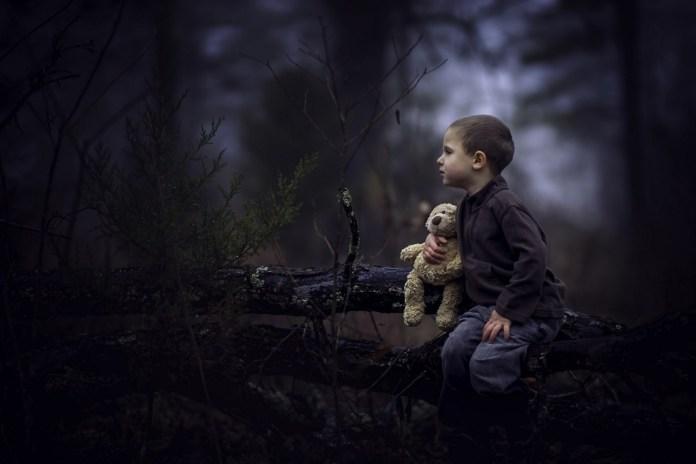 В Татарстане женщина с детьми сбежала в лес из-за чипирования