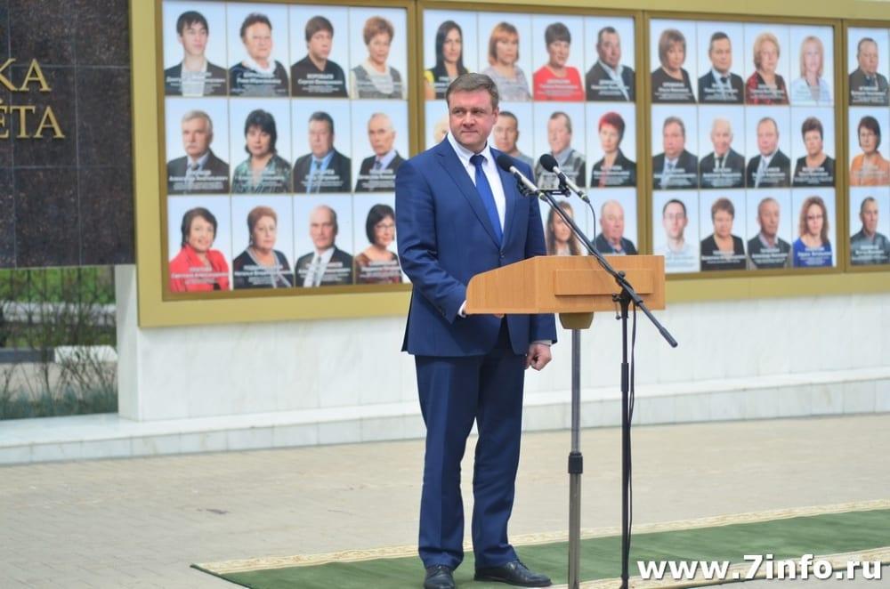 Определены граждане и организации для внесения на Доску Почёта Рязанской области