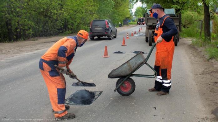В Новгородской области начался запланированный на 2021 год ремонт дорог