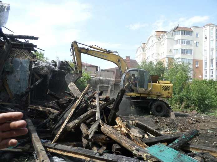 В Рязани начали сносить дом, в котором жил Константин Симонов