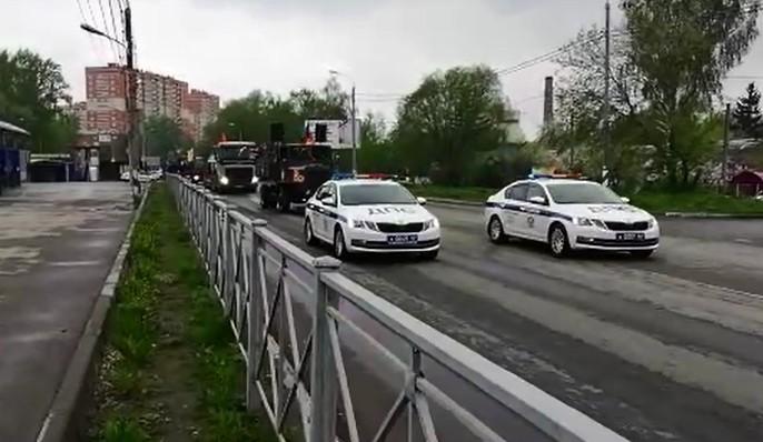 Появилось видео движения военной техники по улицам Рязани