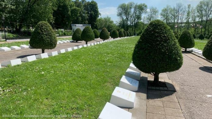 На Скорбященском кладбище ремонтируют памятные знаки