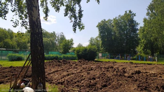 В Рязани продолжается работа над скейт-парком