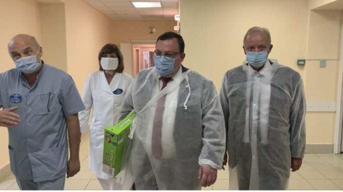 Зампред правительства Рязанской области посетил юную пациентку, доставленную из Касимова на вертолёте