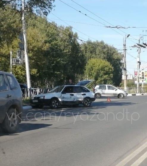 Из-за ДТП на Московском шоссе образовалась пробка