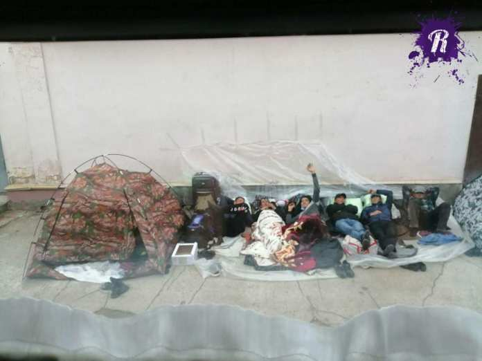 Более 500 гастарбайтеров устроили «поселение» на вокзале под Самарой