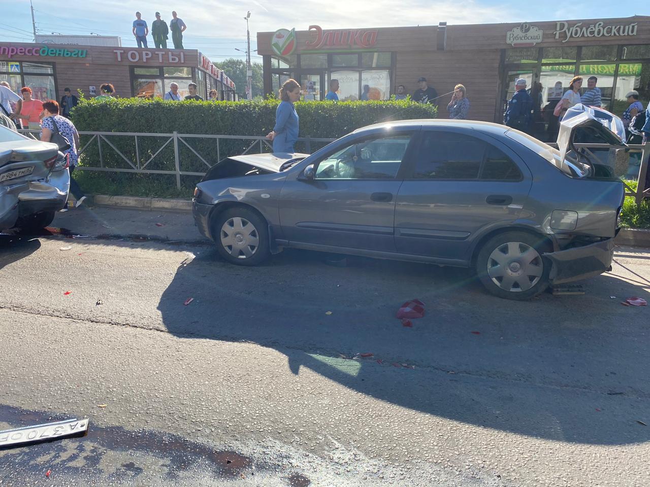 Нетрезвый водитель устроил массовое ДТП на улице Новосёлов