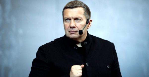 Белорусский рабочий показал Соловьеву половой орган