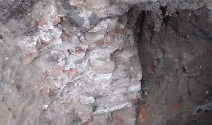 В центре Рязани обнаружили старинный подвал и, возможно, предметы из белого металла