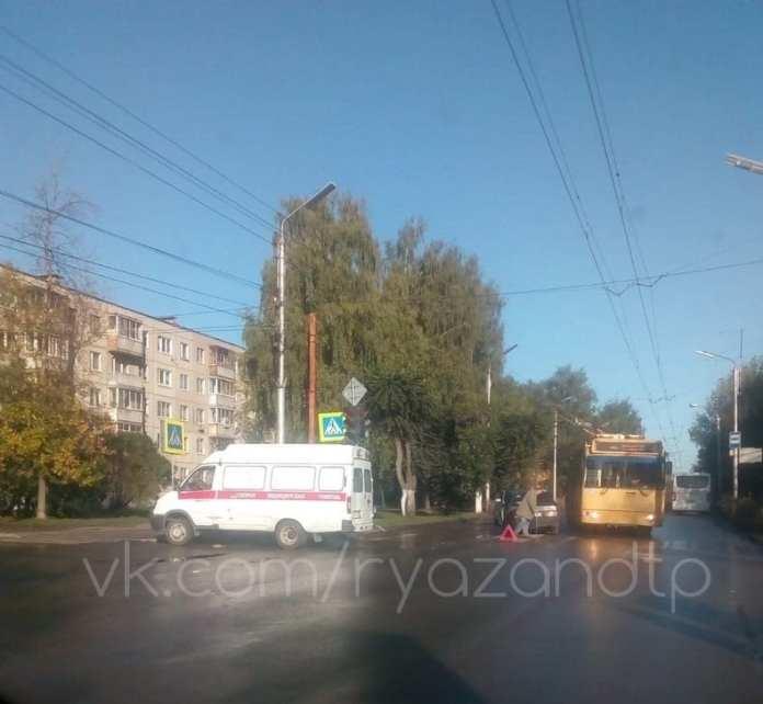 Скорая помощь попала в ДТП в Рязани