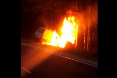 В Касимовском районе сгорел микроавтобус