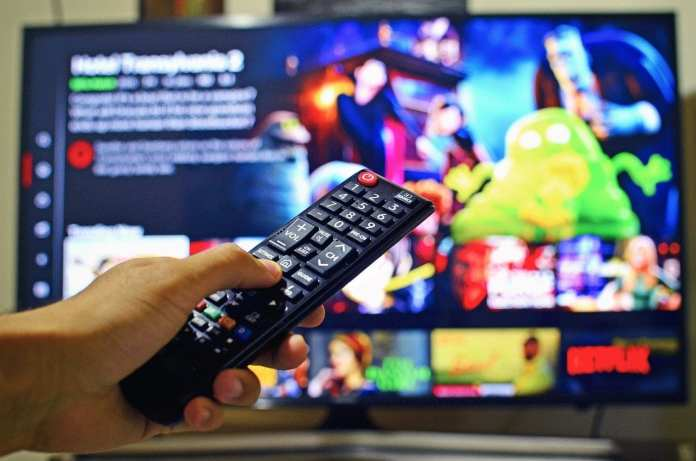Netflix полностью локализует сервис в России