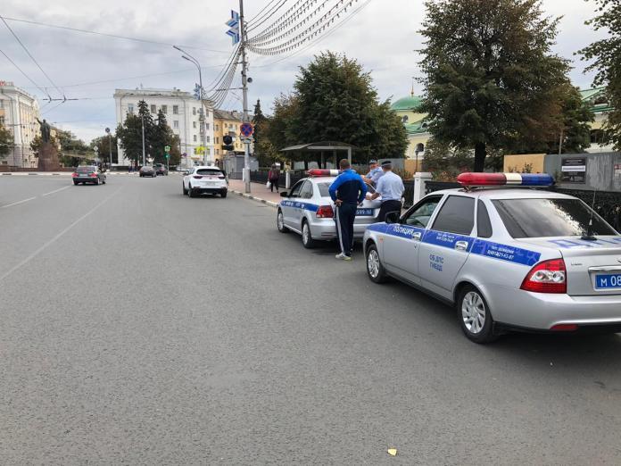 ГИБДД массово останавливает водителей в центре Рязани