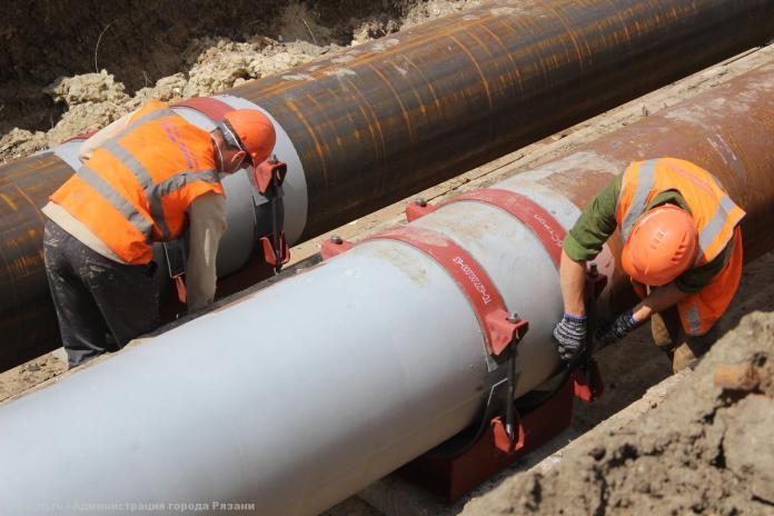 Работы по реконструкции теплотрассы на Зубковой продлятся больше месяца