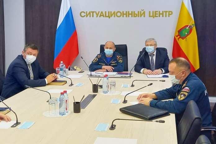 В Рязани обсудили итоги лесных пожаров в регионе с министром чрезвычайных ситуаций РФ