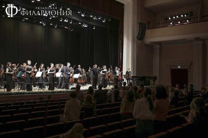 В Рязани выступил Лукас Генюшас с музыкой, пробирающей до костей