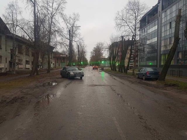 В центре Северодвинска водитель без прав сбил пенсионерку на переходе