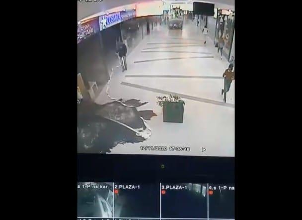 Появилось видео момента начала пожара в ТРЦ «М5 Молл»