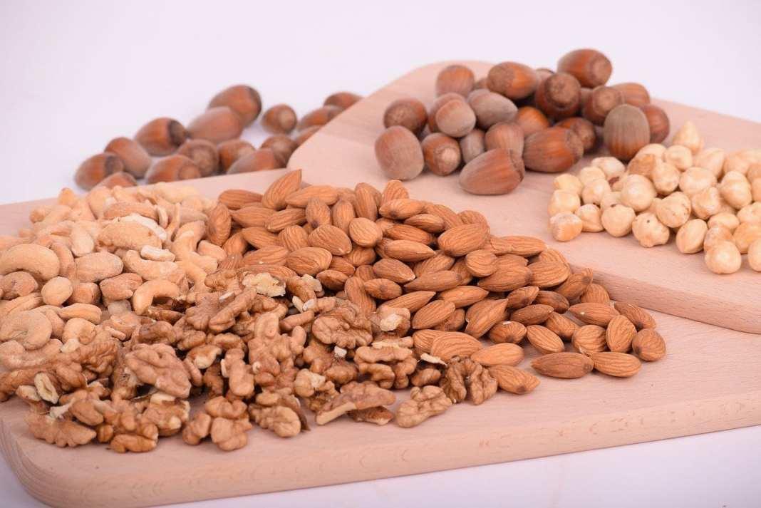 В Роспотребнадзоре рассказали об опасностях орехов