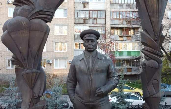 Площадь Маргелова. От Гиннеса до дяди Васи