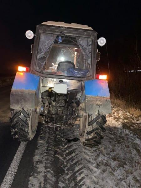 В Спасском районе пенсионерка пострадала после столкновения легковушки с трактором