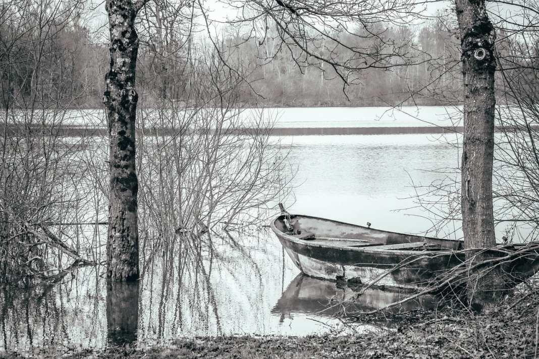 На озере под Рязанью обнаружили труп неизвестного мужчины
