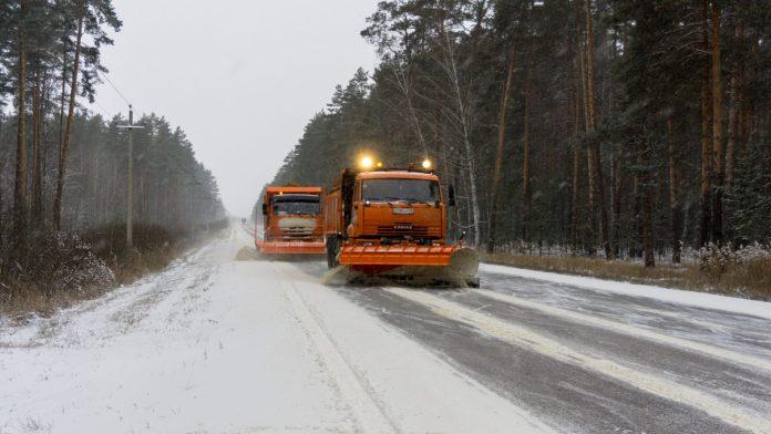 Из-за снегопада видимость на дорогах Рязанской области ухудшится до 400 метров