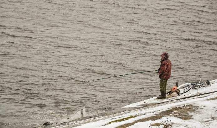 В озере под Рязанью утонул рыбак