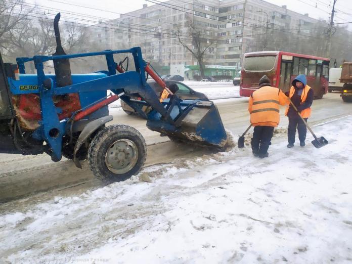 Мэрия показала, как в Рязани борются с последствиями снегопада