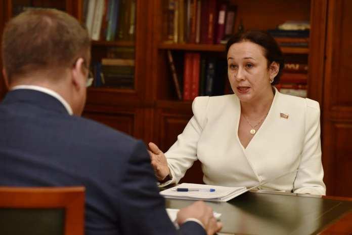 Член Совета Федерации Ирина Петина рассказала Любимову о результатах своей деятельности