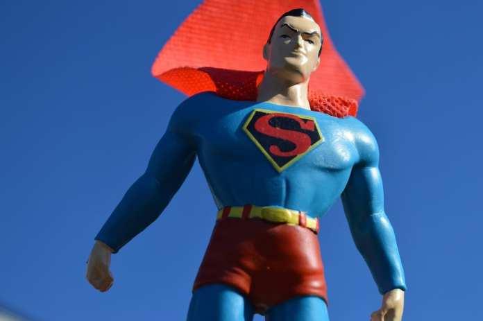 В Славянске мужчина в костюме Супермена жестоко убил трех человек