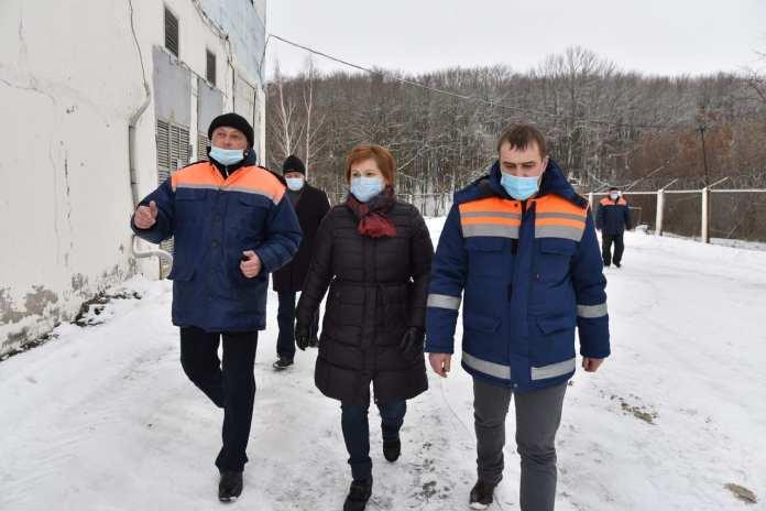 """В МП """"Водоканал"""" Елене Сорокиной рассказали о методах борьбы с """"рыбной"""" водой в Рязани"""