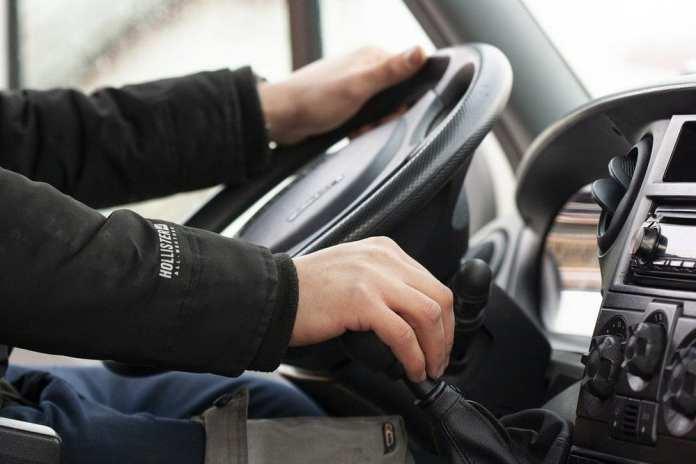 С 1 января в России вступили в силу новые правила работы водителей