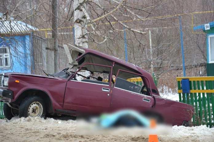 Молодой парень погиб в ДТП рано утром 1 января
