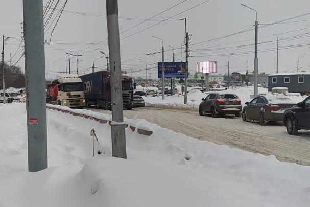 Из-за сломавшегося автобуса в Дашково-Песочне образовался затор